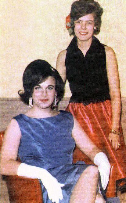 Divine dressed Elizabeth Taylor - arthurboehm | ello