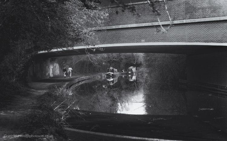 Towpath walkers, Kidlington, Ox - toni_ertl | ello
