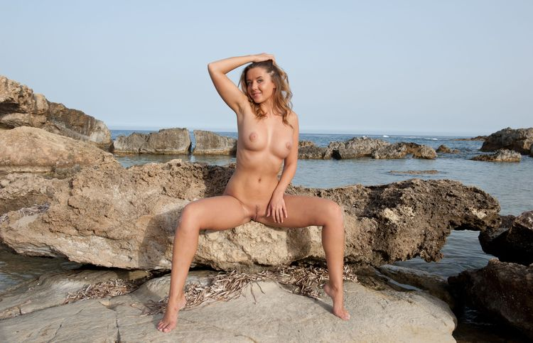 likes rocky beaches - Sybil, Sybil - sunflower22a | ello