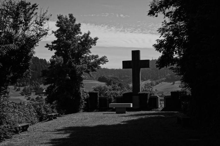dead decent life - photography, monument - marcushammerschmitt | ello