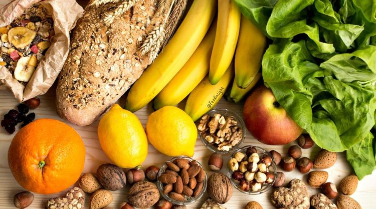 7 Healthy Foods treat Oily Skin - neweraskin   ello