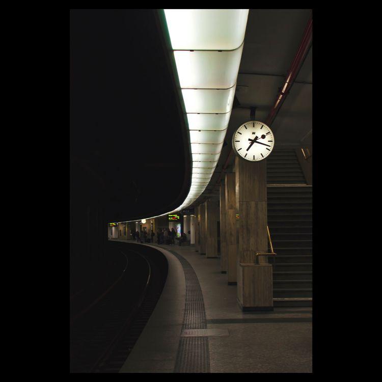 'Bruxelles-Central 7:18' (22/09 - matthewschiavello | ello