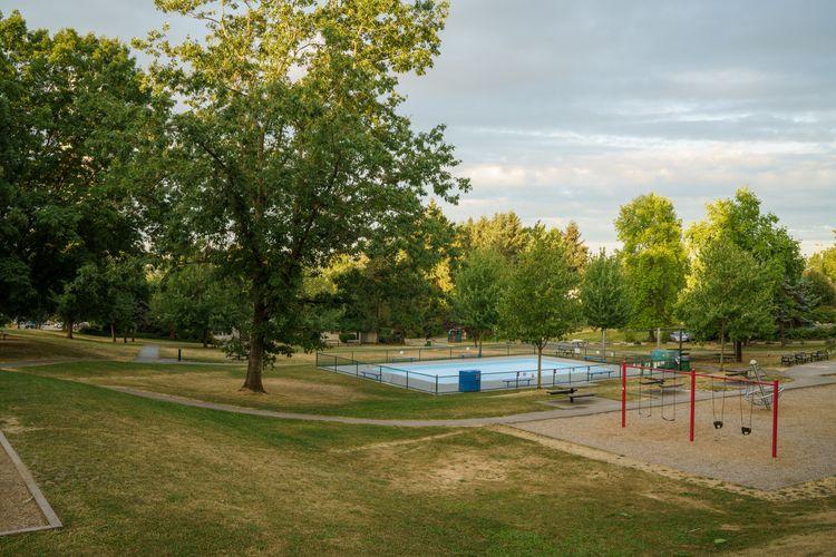 Empty park, early morning. Vanc - jimroche1   ello