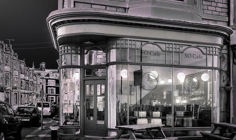 Cafe - bradverts | ello