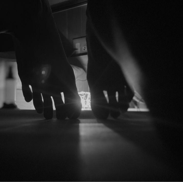 toes - mint-akari | ello