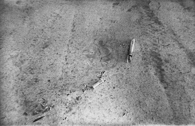 Broken light tube…,desert floor - kirkobeeoed | ello