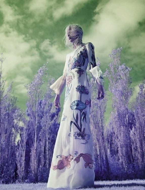 Vogue_Italia-January_2016-Marjan_Jonkman-by-Solve_Sundsbo-06.jpg