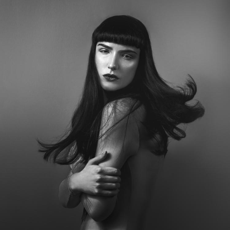 Julia Dunin Photography (ig tb pt juliadunin g+ 115045710836024859151) - Suzi Coombs - mua SuzanneDolanMakeUp - dsg Public Romance.jpg