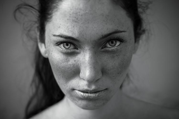 Andrea Passon (andreapassonphoto ig andrea_passon_photography) - Laura Maran - mua Alessia Gobbo - I Walk Alone.jpg