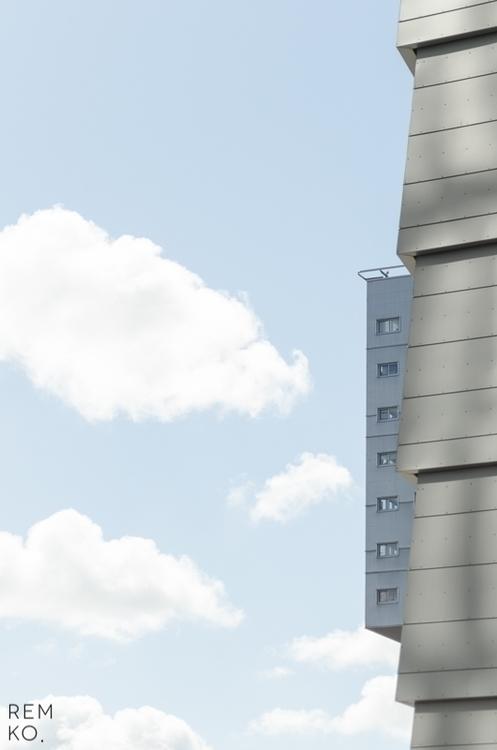 Escondido nas nuvens - Remko Wieland.jpg