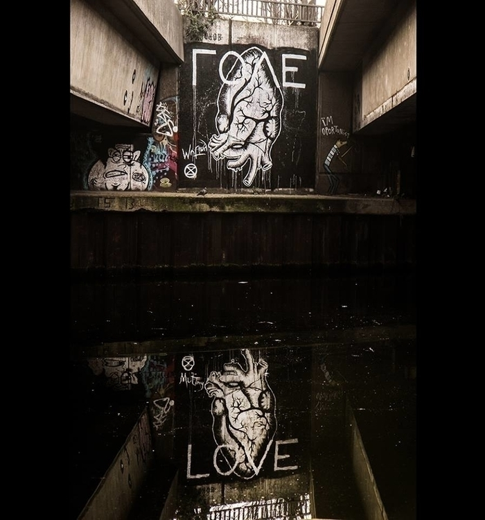 love_by_the_canal1.jpg