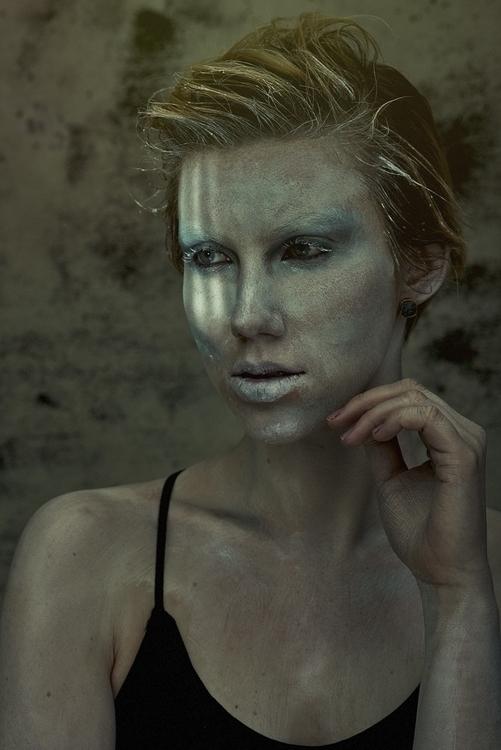 Ben Scott (itsthebell ig benwilliamscott tb bscott917 pt bscott917) - Claire Aniela Miller (ig claireaniela) - hmua Sièva Floyd (Sieluxe-Beauty ig sievafloyd).jpg