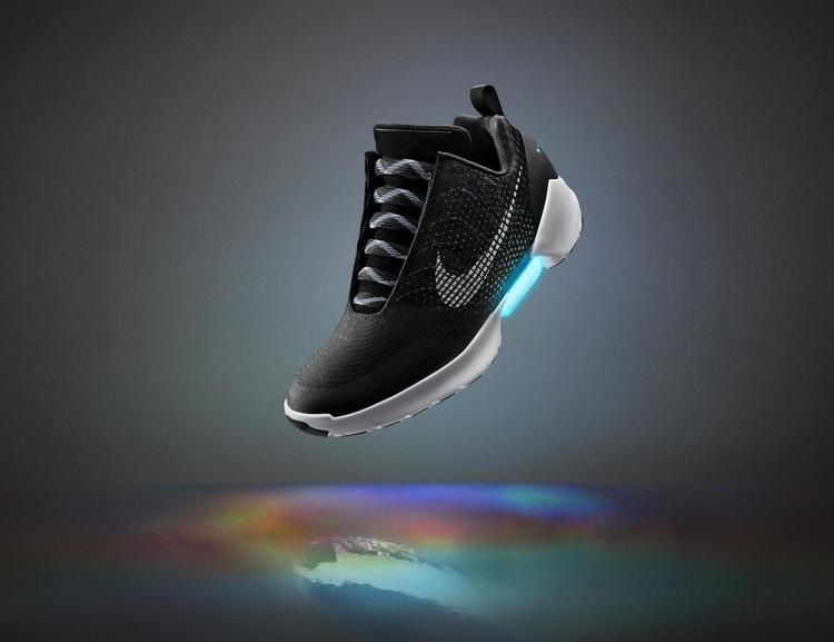 Hyperadapt-Self-Tying-Sneakers-by-Nike-01.jpg