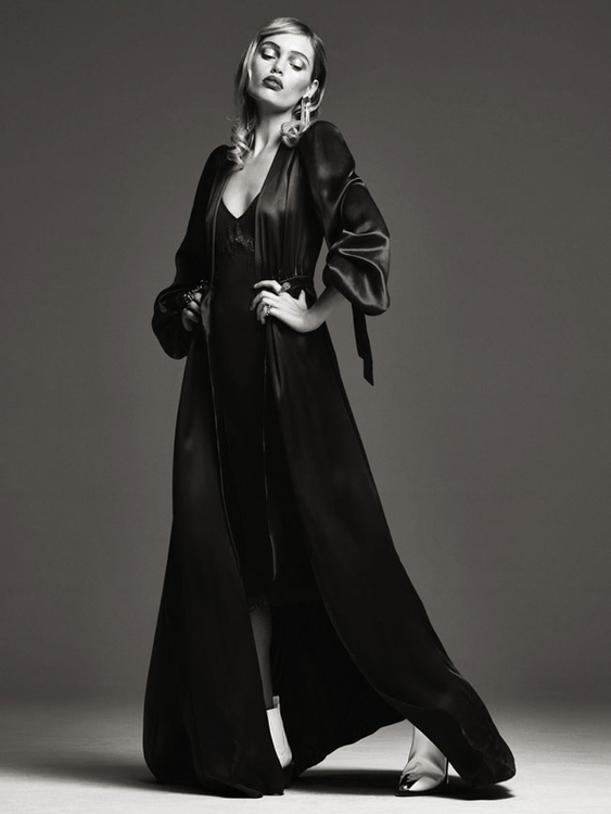 Photography by Bjorn Looss. Fashion editor Carine Roitfeld. Model Staz Lindes. For CR Fashion Book. 7.jpg