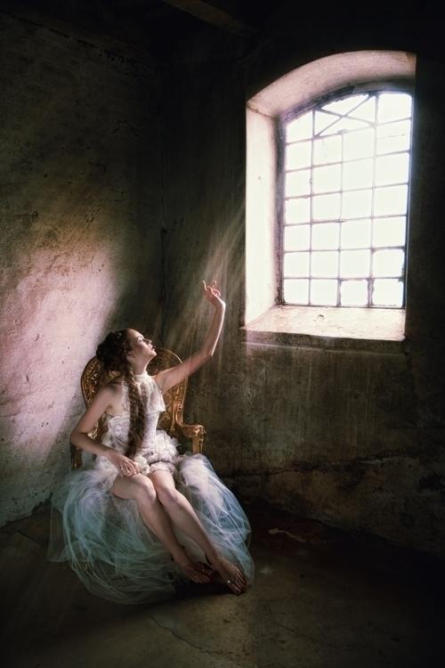 Beata Banach Photography (beata_banach) - Klaudia Winiarska - h Aleksandra Łukaszewicz - mua Małgorzata Klonecka - dsg Magdalena Wilk Dryło.jpg