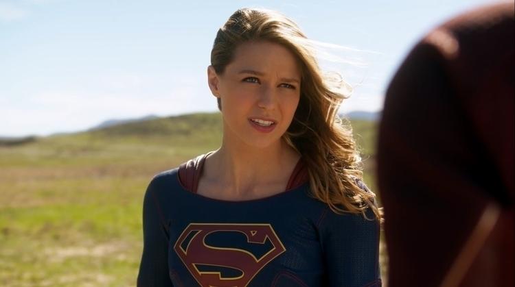Supergirl (Melissa Benoist) meets The Flash..JPG