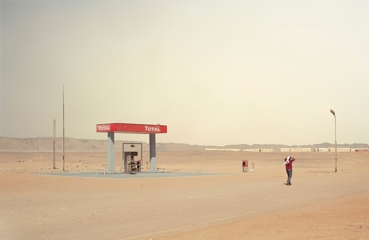 CHRIS SISARICH_egypt_gasstation 1.jpg