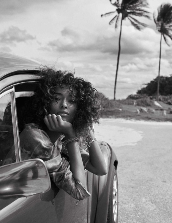 Photography by Benny Horne. Fashion editorSara Fernández. Hair by Mark Hampton. Makeup by Emi Kaneko. Model Anais Mali. For Vogue Spain.5.jpg
