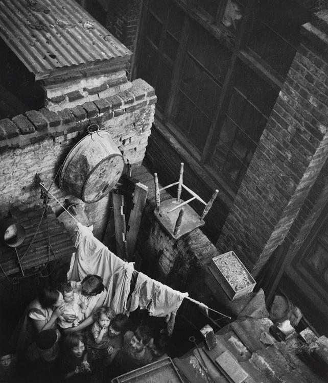 7i. Strange and Familiar. Edith Tudor-Hart