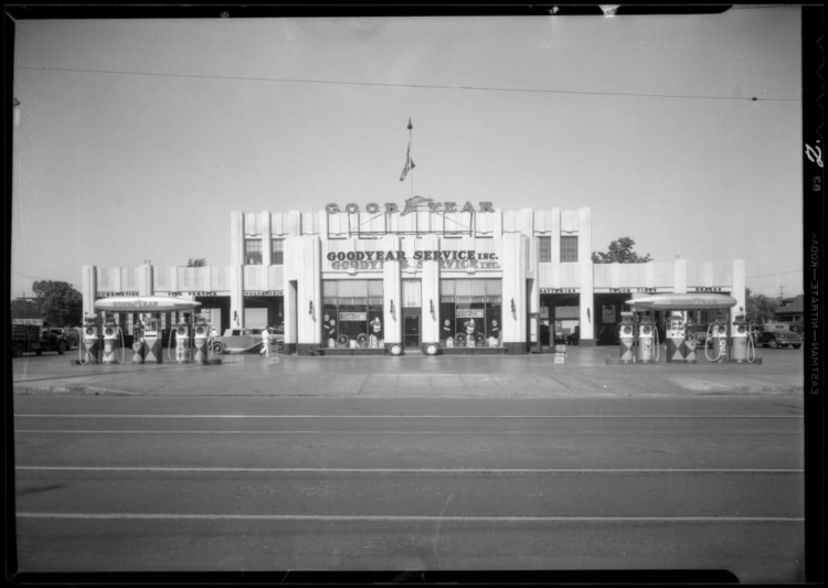 Exterior_of_building__Philco_automobile_radio_display_Southern_California_1932_image_2.jpg