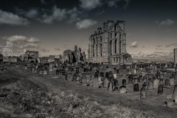 Tynemouth Priory 17.jpg