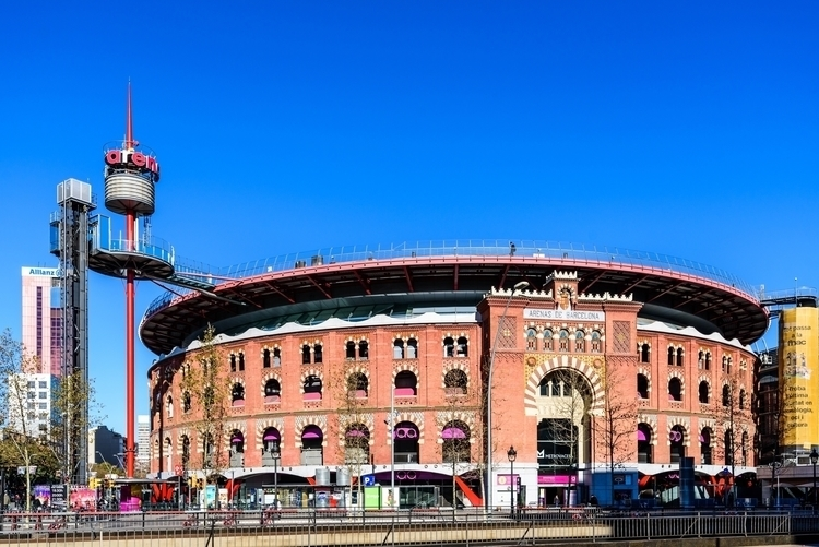 Arenas de Barcelona.jpg
