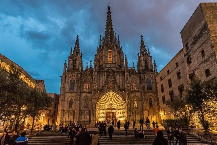 Barcelona Cathedral at Dusk.jpg
