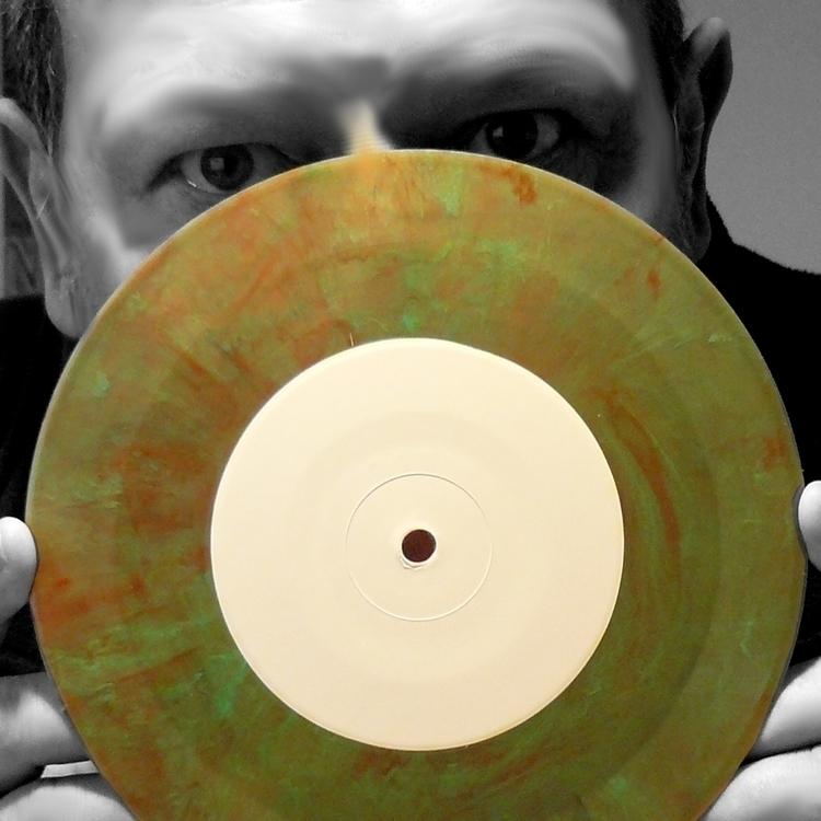 sb_vinyl1_1200.jpg