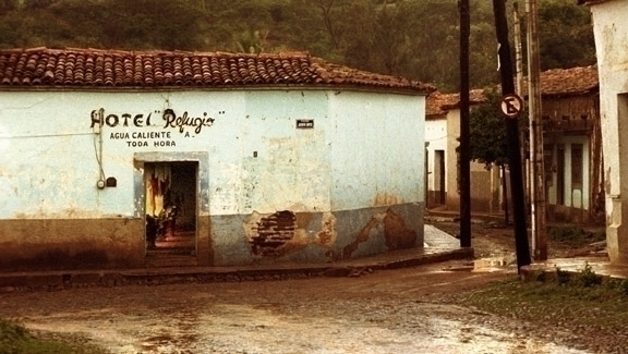 hotel refugio reduced.jpg