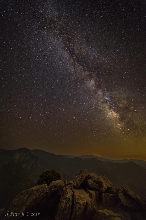 What The night Moro Rock Sequoi - scorpioonsup   ello