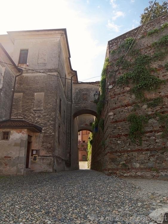 Azeglio (#Biella, Italy): Narro - milanofotografo   ello