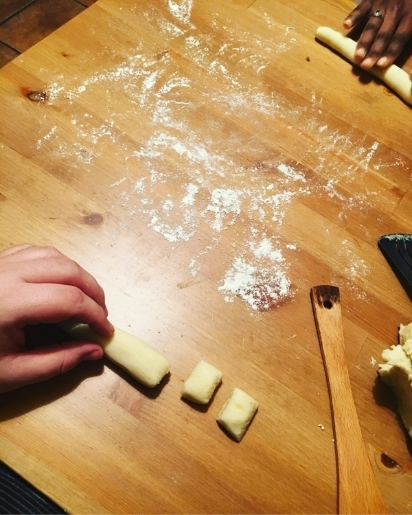 gnocchi making Italian cookingw - howsweetthesting | ello