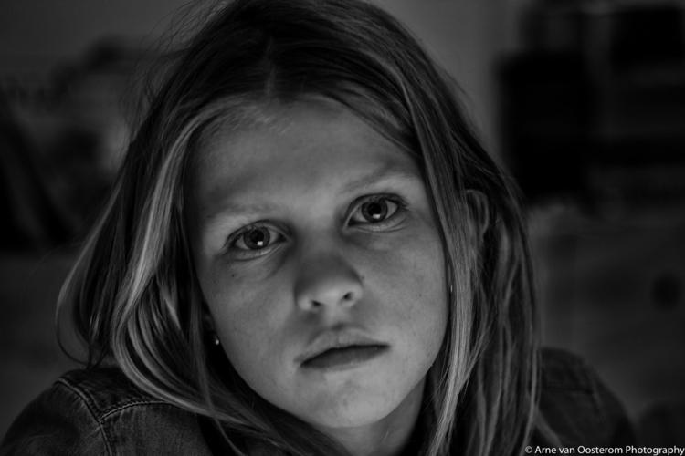 Julia van Oosterom portrait pho - arnevanoosterom | ello