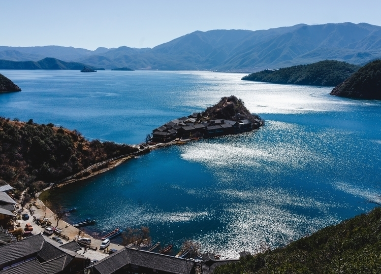 Lugu lake, Yunnan, China - perfilyev | ello