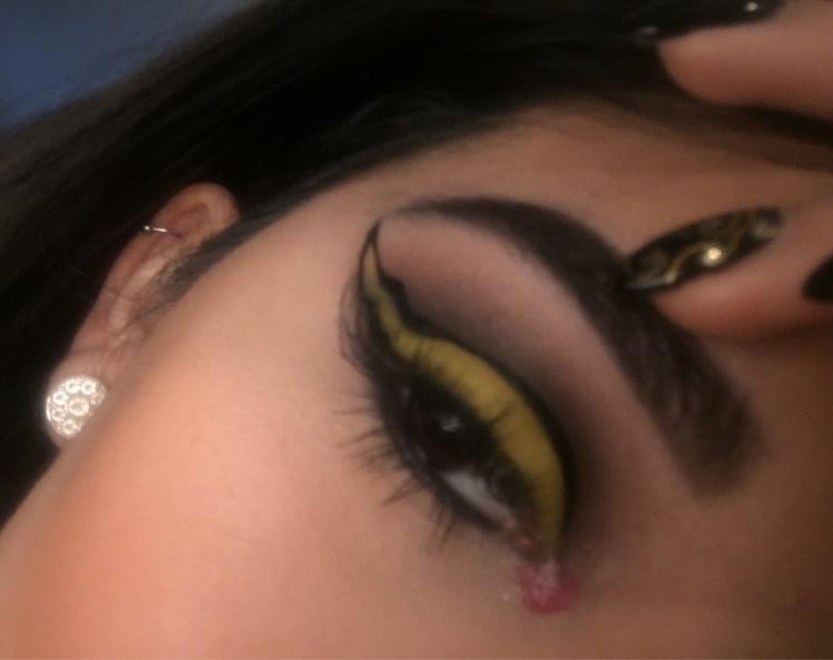 ART. beauty mua - collateralbeauty   ello
