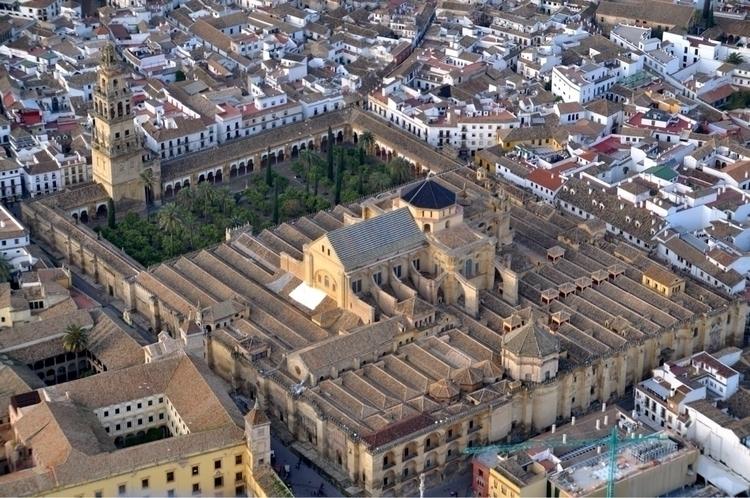 Mezquita de Córdoba Dejar huell - okamika | ello