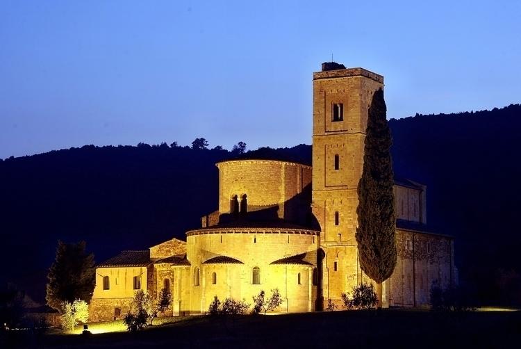 Abbazia di Sant'Antimo Montalci - exploremontalcino | ello
