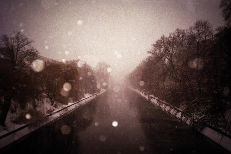 untitled (snowstorm) 2017 berli - tinakino | ello