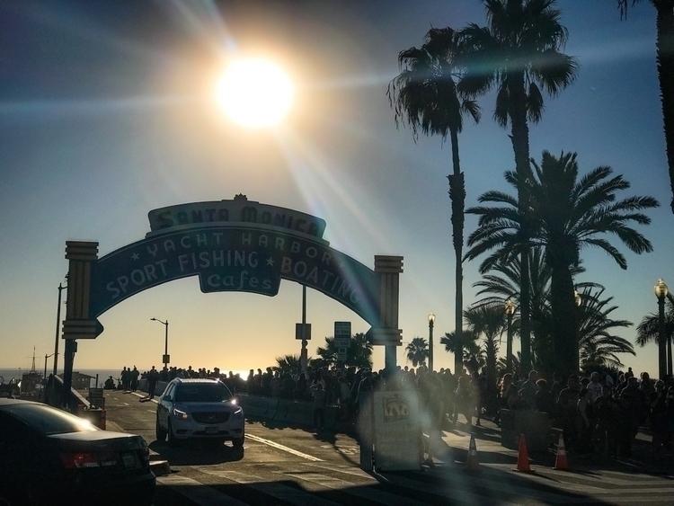 Santa Monica Sun-day ... Januar - dgphotog57 | ello