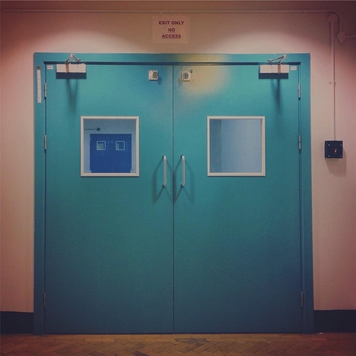 Short Stories ★ minimal doors r - camila-anais | ello