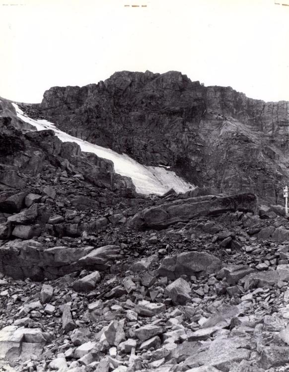 3 - Photo rockscape Whistler. S - brendanazzano | ello