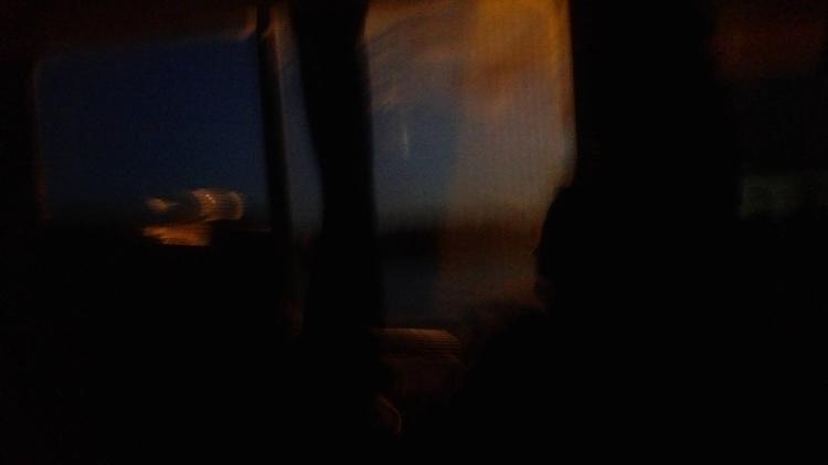 Primer bus donde nada.. bus, - tinto-tordo   ello