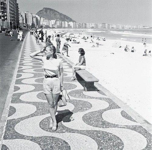 Copacabana Beach, Rio de Janeir - carolhowell | ello