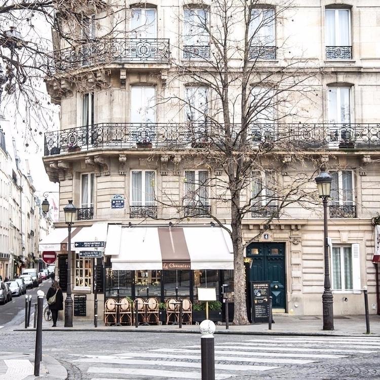 Paris - jimcofer | ello