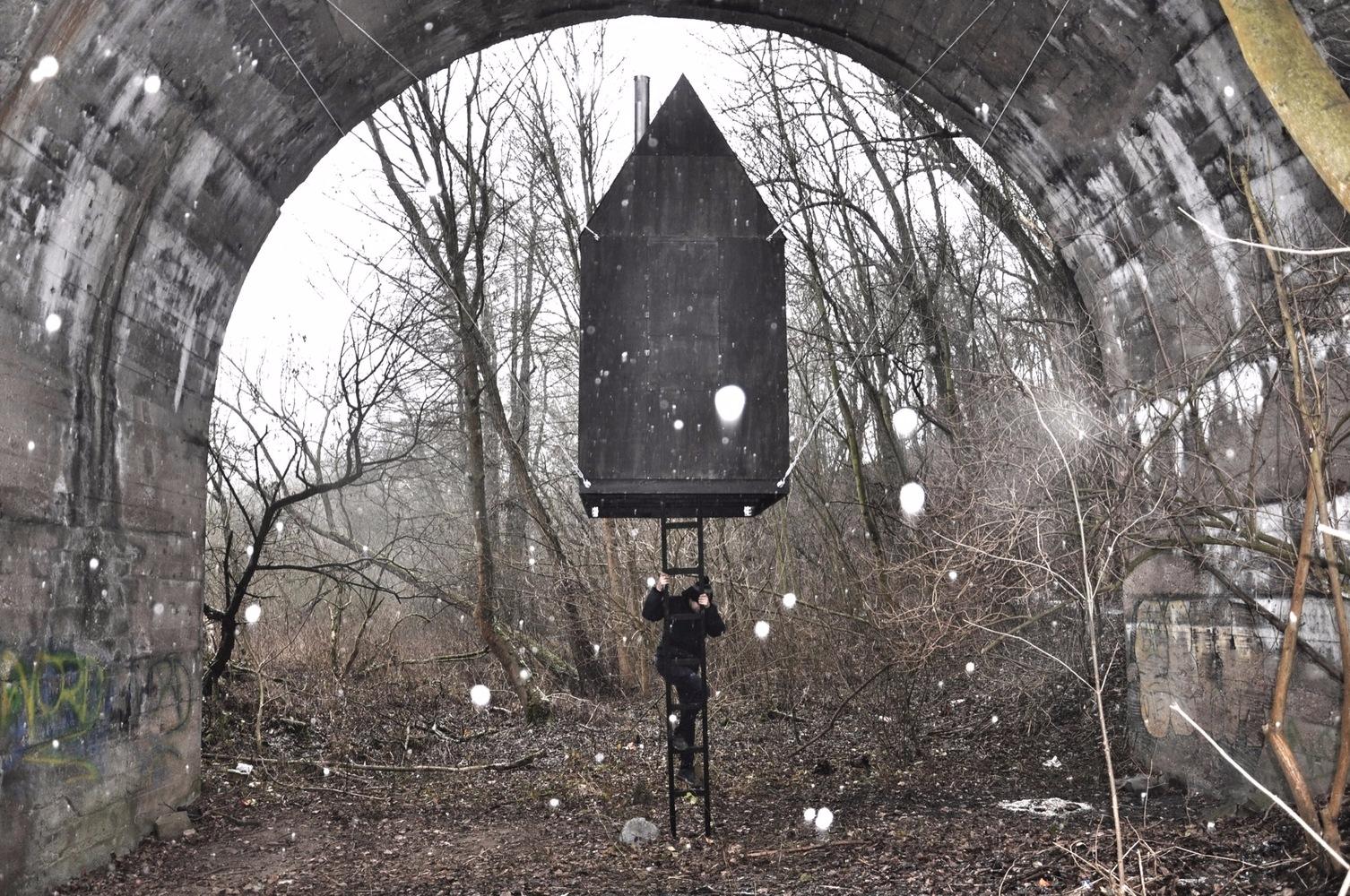 Black Flying House - architecture - valosalo   ello