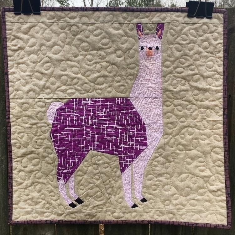 Lleonard llama friend - elloquilts - flyingparrotquilts | ello