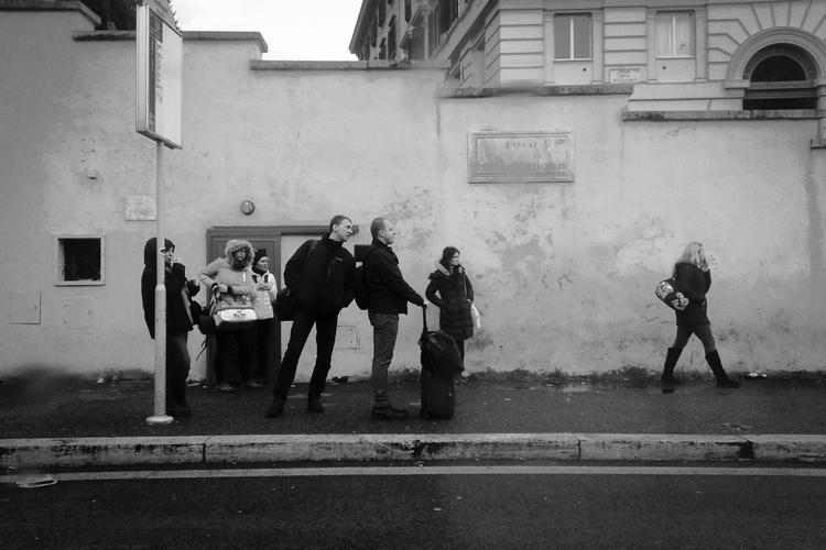 Rome city traffic - chmantuano | ello