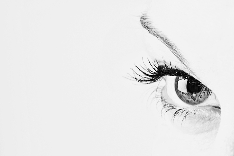 beautiful eyes lay secrets, dee - kristoffdt | ello