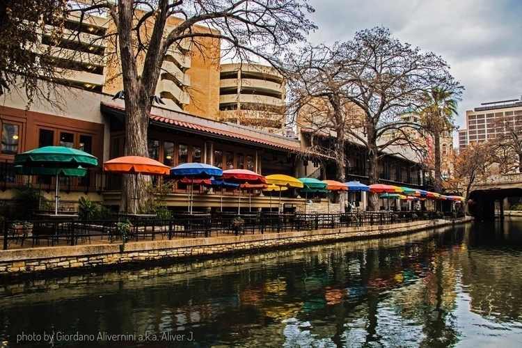 photo - sanantonio, texas, usa, umbrella - aliver-j | ello