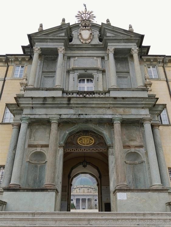 Sanctuary ( , ): Royal Door con - milanofotografo | ello